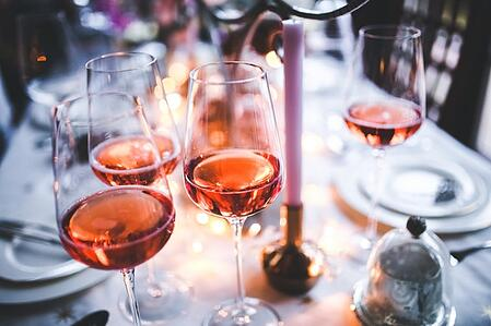 glasses-of-rose-wine-6290