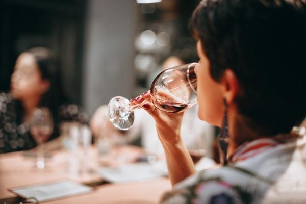 adult-celebration-drink-696219 (1)-1-1